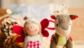Weihnachtsdekorationsengel und -esel Stockbilder