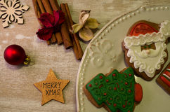 Weihnachtsdekorativer Lebkuchen Lizenzfreie Stockfotos