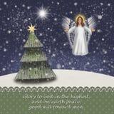 Weihnachtsengel in einer schneebedeckten Landschaft mit Weihnachtsbaum und dem Stern von Betlehem Luke 2 14 lizenzfreie abbildung