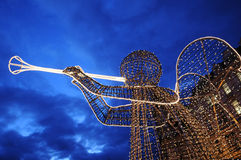 Weihnachtsengel mit Trompete Lizenzfreie Stockfotos