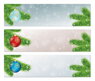 Weihnachtsfahnen mit verzierten Bällen Lizenzfreies Stockfoto