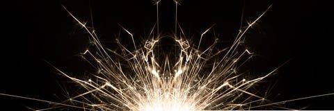 Weihnachtsfeier-Wunderkerze-Schwarz-Hintergrund Lizenzfreies Stockbild