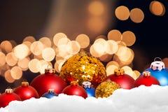 Weihnachtsfeiertagshintergrund über Winter bokeh Lizenzfreies Stockbild