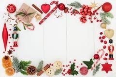 Weihnachtsfestliche Hintergrund-Grenze lizenzfreies stockfoto