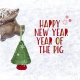 Weihnachtsflitter - lustiger Schweinkopf und gestrickter Weihnachtsbaum mit Aufschrift ` guten Rutsch ins Neue Jahr ` mit Schneef stockbilder