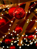 Weihnachtsflitter und -farbbänder Lizenzfreie Stockfotografie
