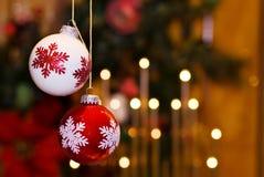 Weihnachtsflitter und feenhafte Leuchten - Raum für Text Lizenzfreie Stockfotos