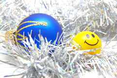 Weihnachtsflitter und -lächeln Stockbild
