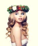 Weihnachtsfrau mit Make-up, blondes gelocktes Haar Lizenzfreie Stockbilder