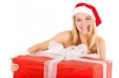 Weihnachtsfrauen-Holdinggeschenk Lizenzfreies Stockbild