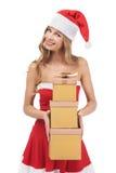 Weihnachtsfrauen-Holdinggeschenke lizenzfreie stockfotos