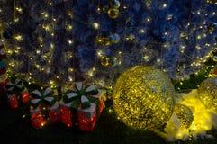 Weihnachtsgeschenk im Dezember Stockfotografie