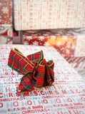 Weihnachtsgeschenkboxfeiertags-Hintergrunddekor lizenzfreies stockfoto