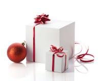 Weihnachtsgeschenke in den Kästen Stockbild