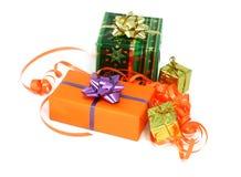 Weihnachtsgeschenke getrennt auf Weiß lizenzfreie stockbilder