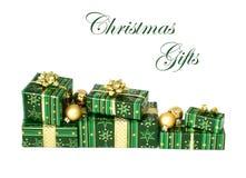 Weihnachtsgeschenke getrennt auf weißem Hintergrund lizenzfreies stockfoto