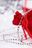 Weihnachtsgeschenke, Makroeintragfaden Stockfotos