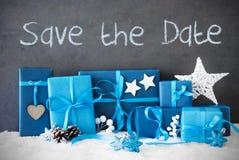 Weihnachtsgeschenke, Schnee, Text-Abwehr das Datum Stockfoto