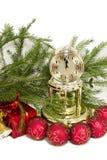 Weihnachtsgeschenke und -borduhr Stockbilder