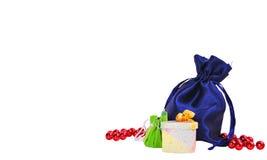 Weihnachtsgeschenke und -verzierungen Stockfoto