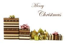 Weihnachtsgeschenkkästen getrennt auf Weiß lizenzfreies stockbild