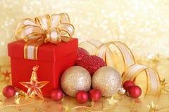 Weihnachtsgeschenkkasten stockbilder