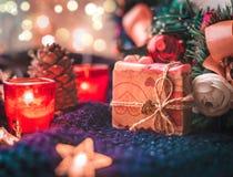 Weihnachtsgeschenkstillleben stockfotos