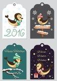 4 Weihnachtsgeschenktags mit Hand gezeichneten Vögeln Satz des bedruckbaren Feiertagsaufklebers, gebrauchsfertig Stockfotografie