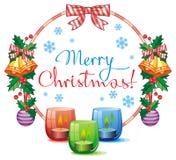 Weihnachtsgirlande, brennende Kerze und Grußtext: ` Frohe Weihnachten! ` Lizenzfreie Stockfotos