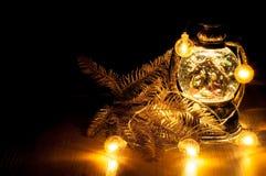 Weihnachtsglühende Girlande Stockbild