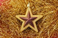 Weihnachtsgoldener Stern stockbilder