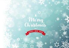 Weihnachtsgrüner Hintergrund mit weißen Schneeflocken Stockfoto