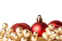 Weihnachtsgrenze mit roter Verzierung stockfotos
