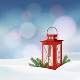 Weihnachtsgrußkarte, Einladung Winterszene mit roter Laterne, brennende Kerze, Weihnachtsbaumaste, Zweige, Schnee stock abbildung