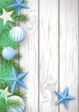 Weihnachtshölzerner Hintergrund mit grünen Niederlassungen und blauen ornamen stock abbildung