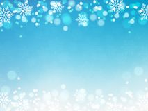 Weihnachtshintergrund, Bokeh-Schneeflocken, blauer Hintergrund, roter Ball, Weihnachtsbaumhintergrund lizenzfreie abbildung