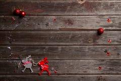 Weihnachtshintergrund mit Dekorationen des Weihnachten decorations Lizenzfreie Stockbilder