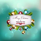 Weihnachtshintergrund mit den Tannenzweigen und den Balldekorationen Stockfoto