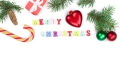 Weihnachtshintergrund mit der Aufschrift der frohen Weihnachten lokalisiert auf weißem Hintergrund mit Kopienraum für Ihren Text Stockfoto