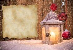 Weihnachtshintergrund mit Laterne Lizenzfreie Stockfotos