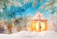 Weihnachtshintergrund mit Laterne Lizenzfreie Stockfotografie