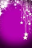 Weihnachtshintergrund mit leuchtender Girlande mit Sternen, Schneeflocken und Platz für Text Purpurroter sparkly Feiertagshinterg stockbild