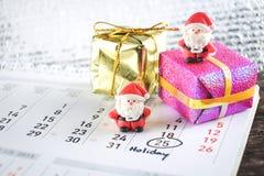 Weihnachtshintergrund mit Weihnachtsdekoration Lizenzfreies Stockbild