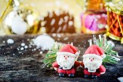 Weihnachtshintergrund mit Weihnachtsdekoration Stockfotos