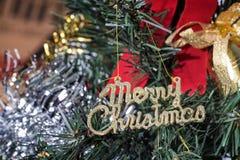 Weihnachtshintergrund mit Weihnachtszeichen Lizenzfreies Stockfoto