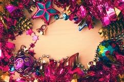 Weihnachtshintergrund-Weihnachten-Baumdekorationen Lizenzfreies Stockfoto