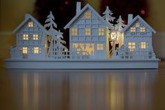 Weihnachtsholzhausdekoration stockbild