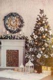 Weihnachtsinnenraum lizenzfreie stockbilder