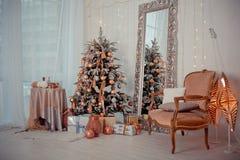 Weihnachtsinnenraum Stockbild
