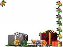 Weihnachtskarte, -geschenke und -kugeln. Stockbild